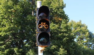 bike-signal_madison_wi[1]